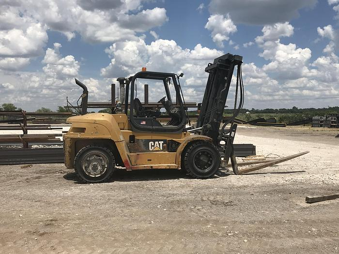 Used 26,000 LB CATERPILLAR FORK LIFT