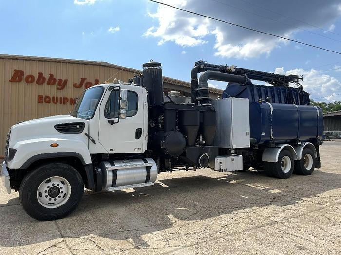 Used 2013 Freightliner 114SD