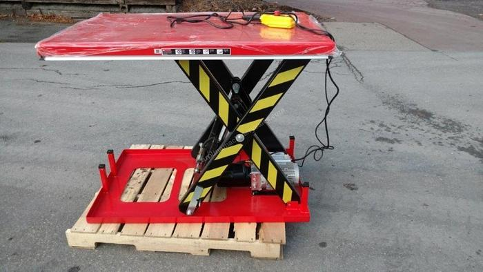 Used Unknown 4000LB lift table