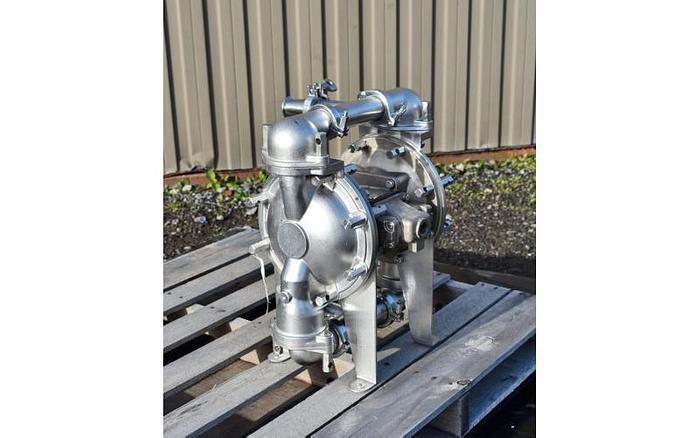 """USED DIAPHRAGM PUMP, 2.5"""" X 2"""" INLET & OUTLET, STAINLESS STEEL, SANITARY, SANDPIPER CSP14"""
