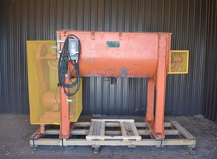 Used USED RIBBON BLENDER, 25 CUBIC FEET, CARBON STEEL