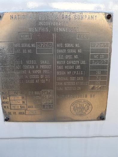 1999 INTERNATIONAL 4900 LPG TANK TRUCK