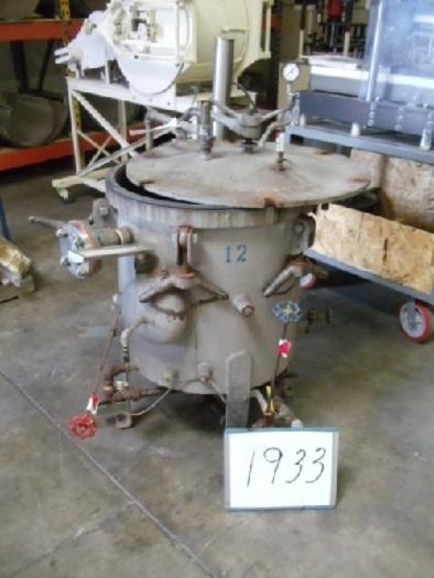 Vertical Lab Retort 24''D X 20'' D #1933