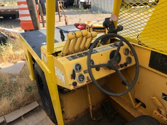 HB17130 Broderson Crane