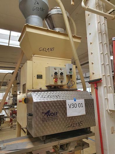 Gebraucht Nusskernschneidemaschine PEHA Type H1-04-03-600 mit 600 mm Arbeitsbreite und 3 Schneidaggregaten