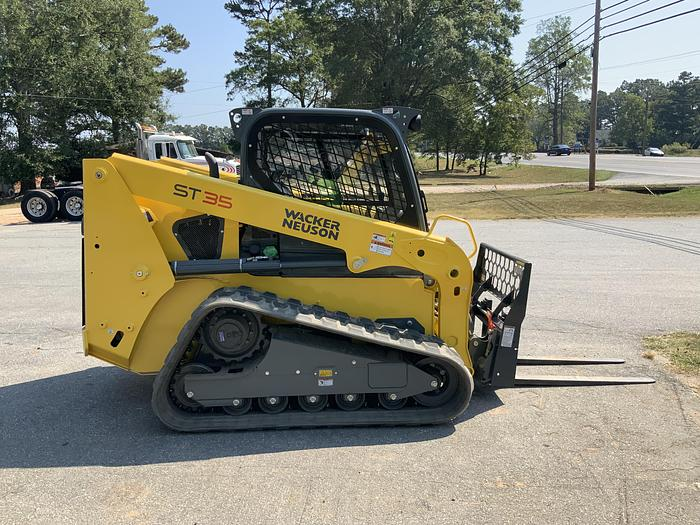 2019 Wacker Neuson ST35 skid steer