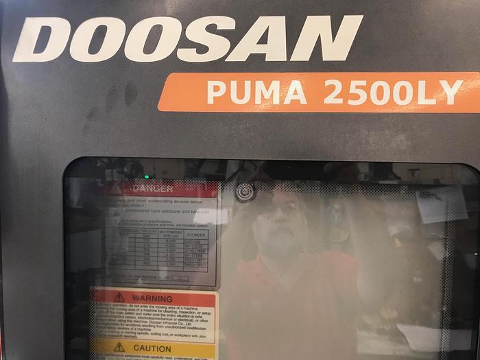 2008 Doosan Puma 2500LY Multi-Axis Turning Center