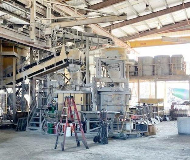 Used Hawkeye Dry-Cast Manhole Forms and Machine
