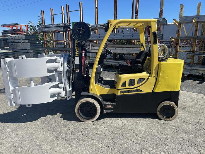 """Used 12,000 POUND HYSTER ROLL CLAMP FORKLIFT W/ 60"""" CASCADE CLAMP 1,600 HOURS"""