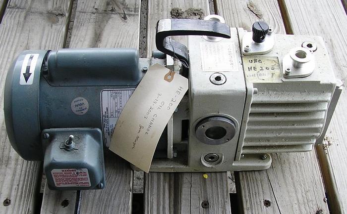 Leybold Hereaus Trivac Pumps D2A