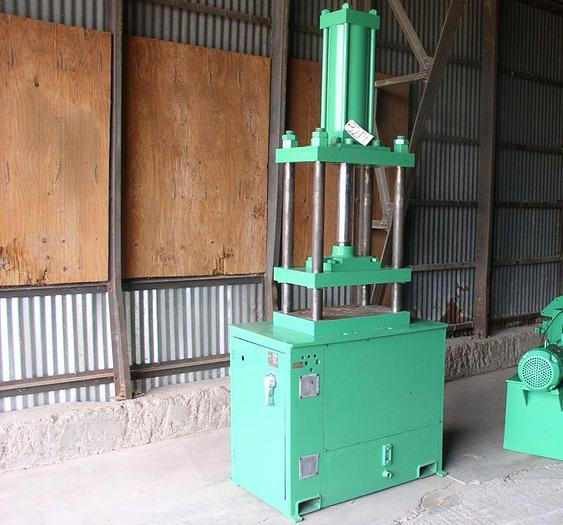 Used 40 Ton French Oil Hydraulic Press