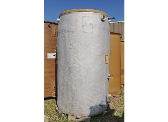 USED 875 GALLON TANK, FIBERGLASS