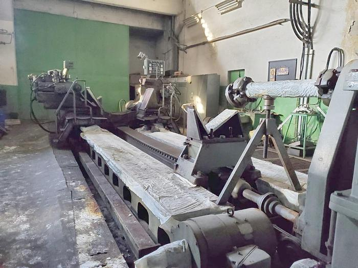 1975 Roll Grinding machine  FARREL GIUSTINA 50''-63'' x 304'' 1600x7721mm