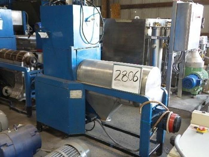 Used Gestione Technol Macerator/Pitter for Olives