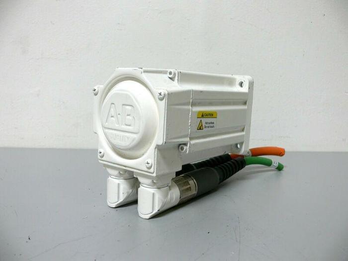 Used Allen Bradley MPF-B310P-MJ74BA Kinetix Brushless AC Servo Motor 460V 5000 Rpm