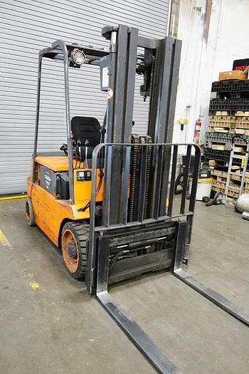 Linde 4500 Lb. Electric Fork Lift E25B