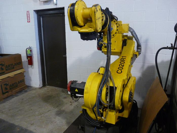 FANUC S430IW/200 ROBOT WITH RJ3 CONTROLS