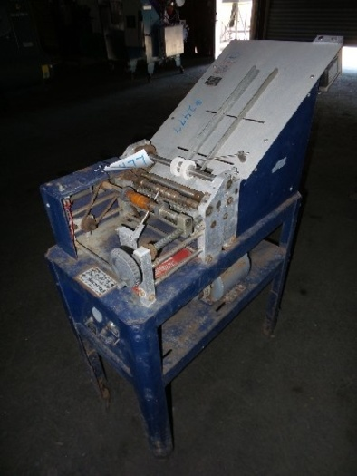Labelette Semi Automatic Labeler for round containers #2477