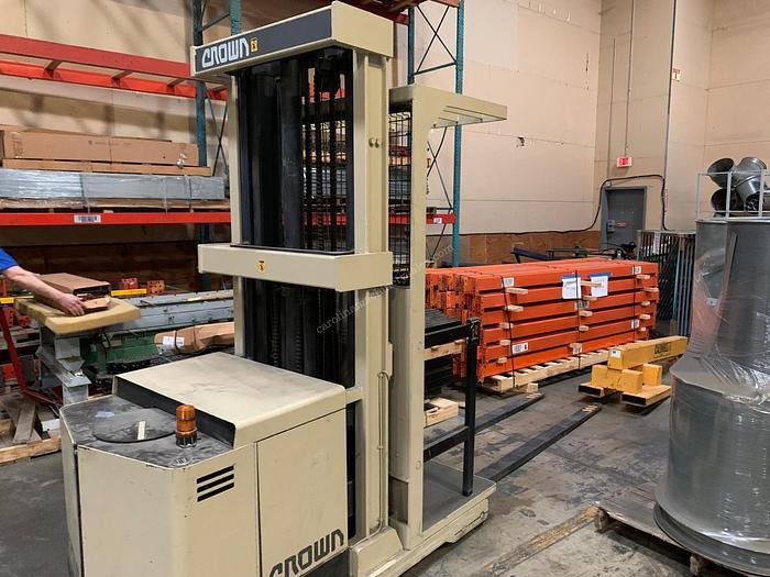 Used Crown Forklift 30SP36TT 3000 lbs Forklift