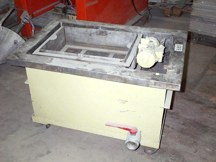 Used VIBRATING SIEVE WITH STAINLESS STEEL TANK ON WHEELS