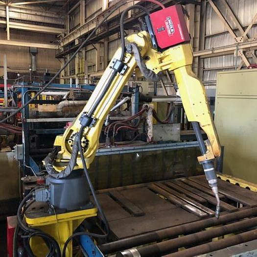 Used FANUC ARCMATE 120iC 6 AXIS MIG WELDING ROBOT WITH LINCOLN POWERWAVE i400 POWER SUPPLY & FANUC R30iA CONTROLLER