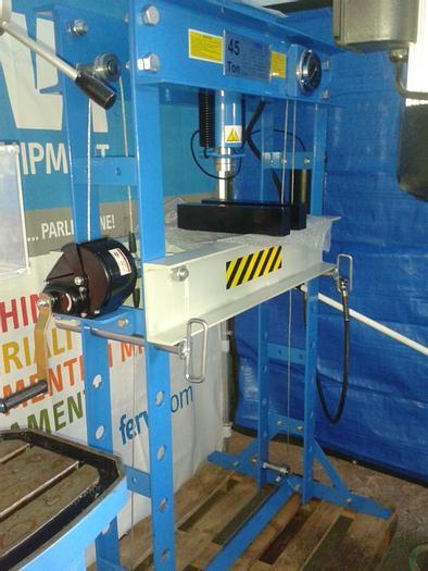 Pressa idraulica FERVI ART. P001/45 45 Tonn.