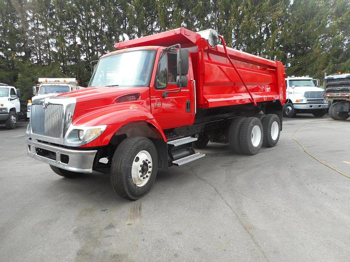 2004 International 7400- Stock #: 8211