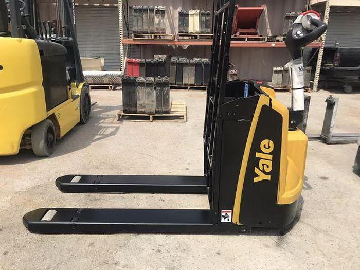 Used 2016 Yale MPB045 Electric Pallet Jack