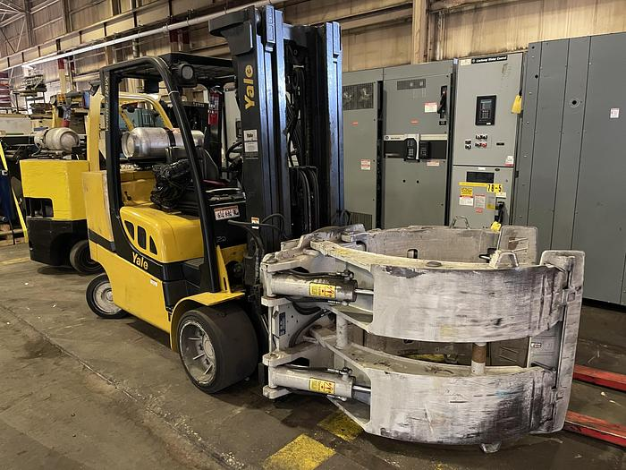 """Used 12,000 POUND YALE ROLL CLAMP TRUCK W/ 72"""" CASCADE PAPER CLAMP"""