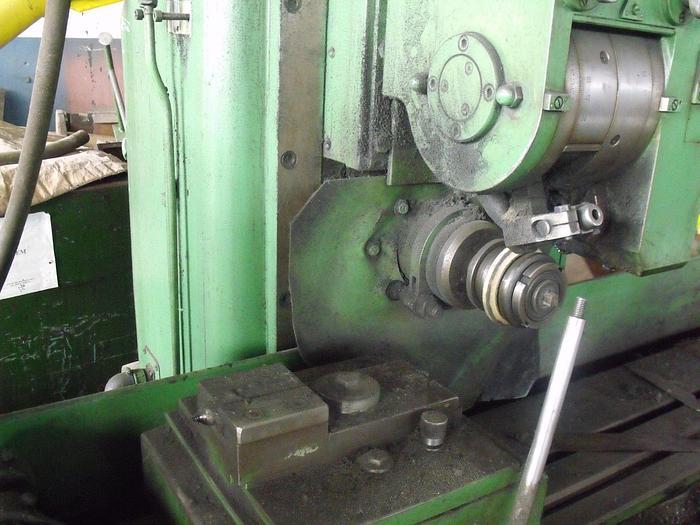1978 Spline shaft grinding machine Type MC3