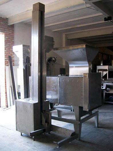 Używane Krajalnico-kostkownica HOLAC z wywrotnicą wózków