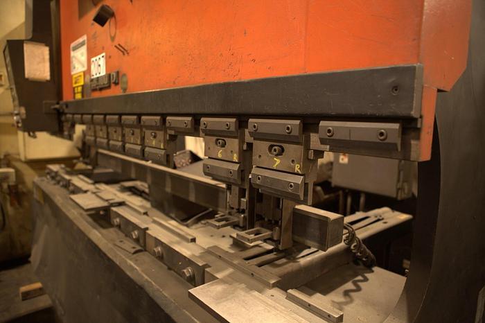1989 110 Ton Amada FBD-1030 CNC Press Brake