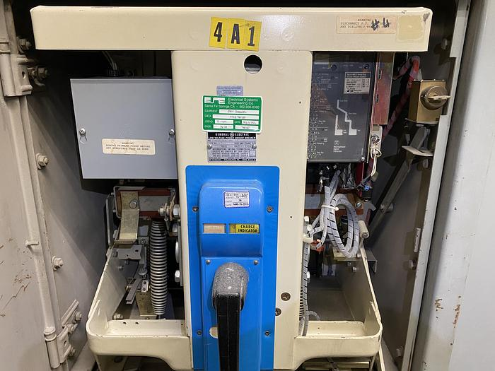 Used GENERAL ELECTRIC LOW VOLTAGE POWER CIRCUIT BREAKER
