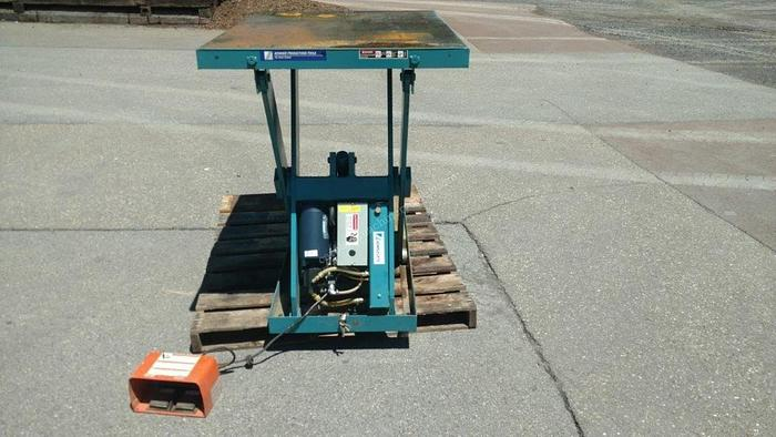 Used Advance Lifts Lift Table