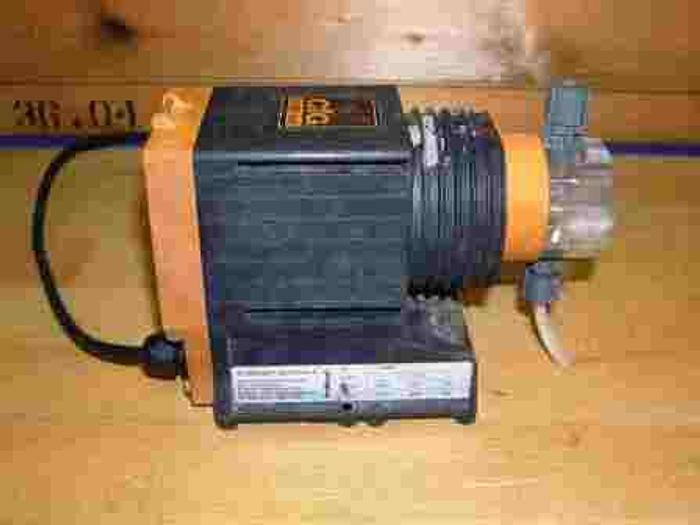 Used PROMINENT pump, type EO803, serial no. 443099, 220 V, 2,88 l/h, 8 bar.