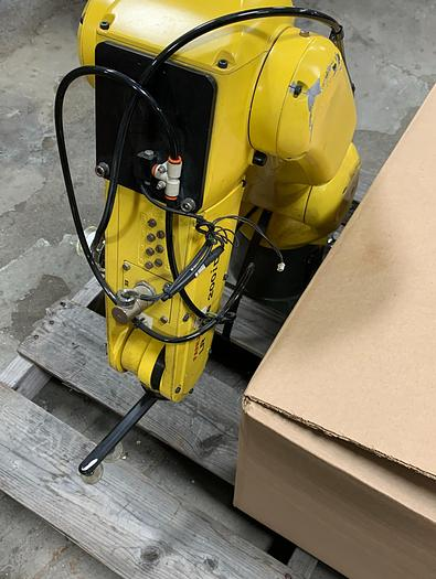 FANUC LR MATE 200iD 6 AXIS CNC ROBOT WITH R30iB MATE CONTROLLER
