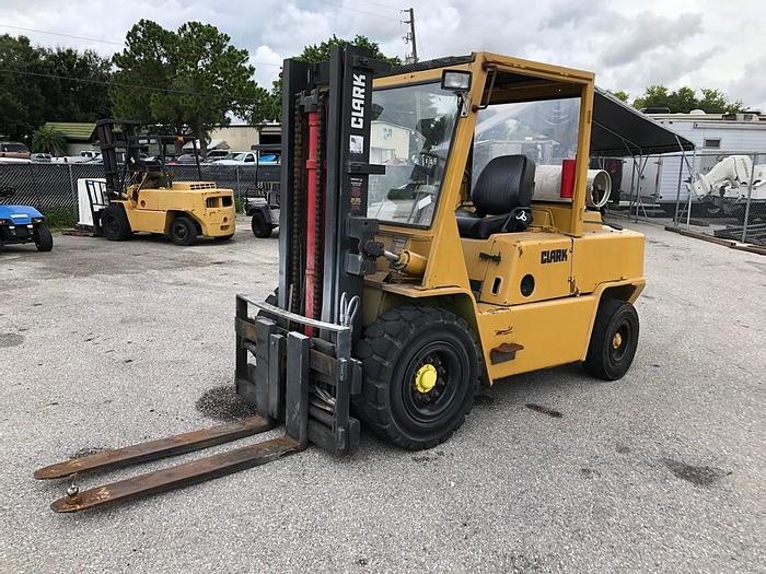 Used Clark C500-Y100 Forklift - 04475