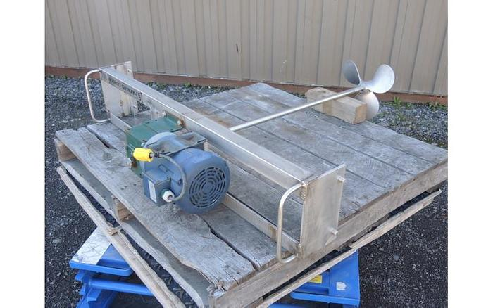 USED PORTABLE TOTE MIXER, TOP ENTRY, 1 HP