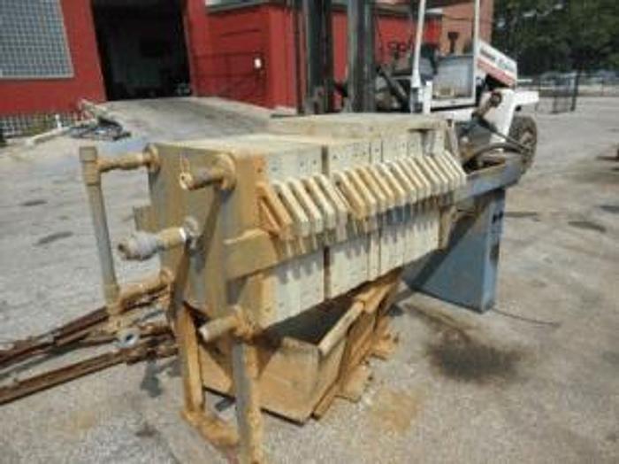 Used 5.5 CU. FT. JWI FILTER PRESS – POLYPRO – 630 MM AUTOMATIC CLOSURE