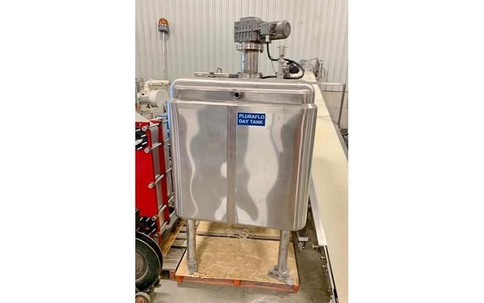 USED 100 GALLON JACKETED TANK, STAINLESS STEEL, WITH MIXER