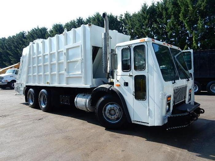 Used 2006 Mack LE613- Stock #: 4977