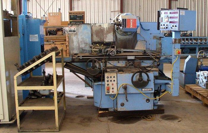 "10"" x 55"" NIIGATA 3UM Universal Milling Machine; 15 HP; With Kwik Switch Tooling"