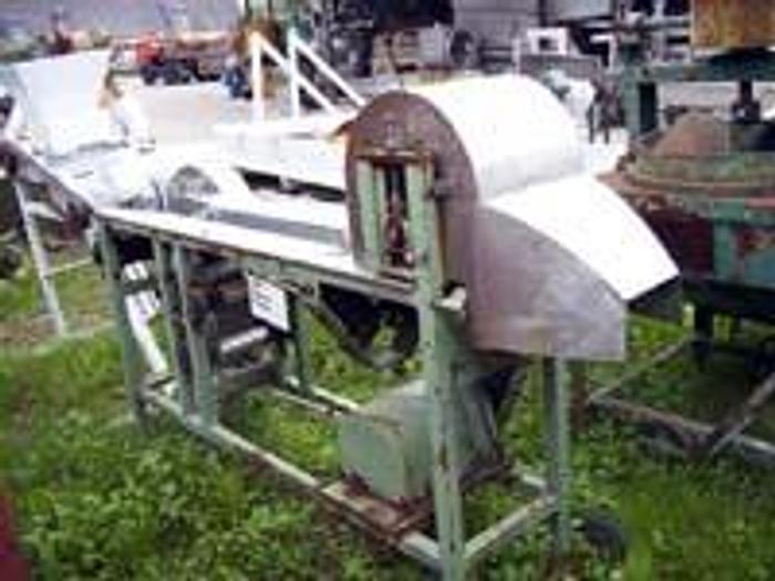 Używane Krajalnica do wzdłużnego cięcia ogórków Robins