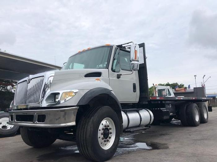 Used 2004 INTERNATIONAL 7500 FLATBED WITH PIGGYBACK HOOKUP