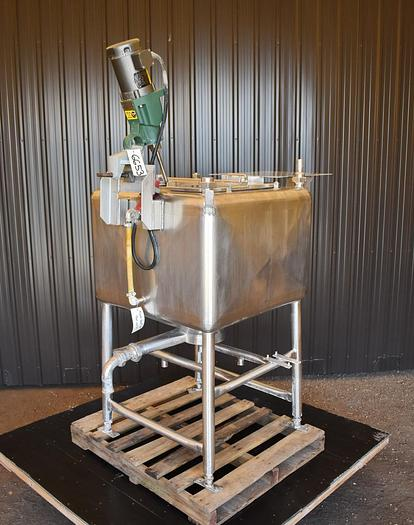 USED 100 GALLON STAINLESS STEEL TANK, WITH MIXER