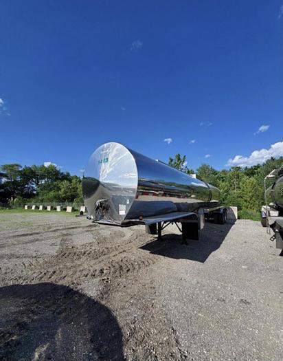 Used 1999 Nova stainless steel Tanker