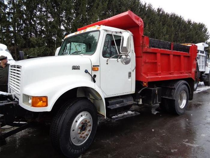 Used 2002 International 4900- Stock #: 8622
