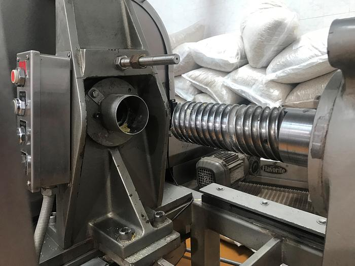 EXTRUDER FOR FRIED & BAKED SNACKFOOD