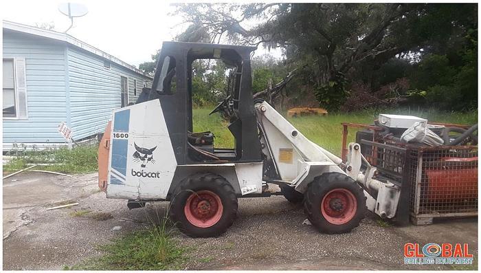Used Item 0781 : Bobcat Melroe 1600 Articulating Forklift
