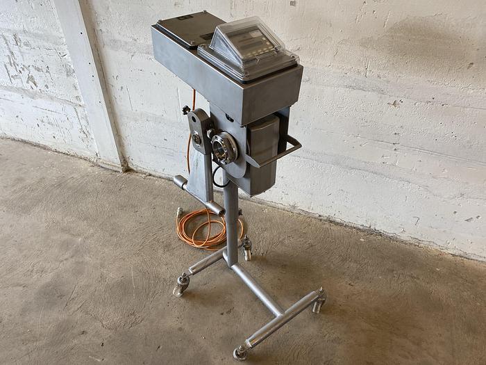 Använd Metalldetektor för flytande produkt
